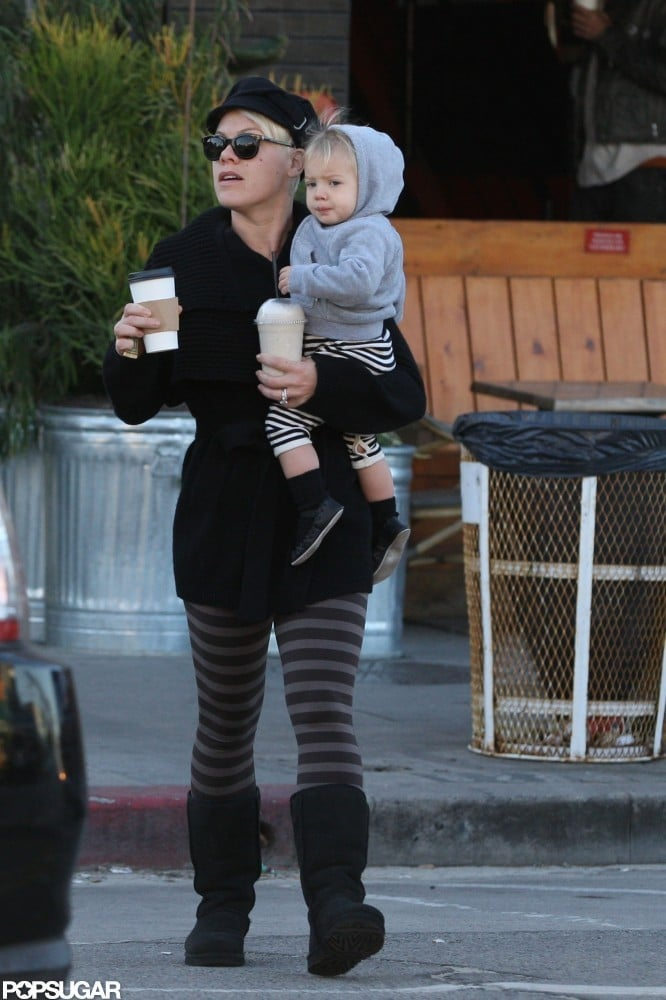 Pink and Willow ran an errand together.
