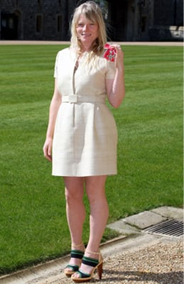 Luella Receives MBE and Talks about Meeting the Queen 2010-04-14 00:39:27