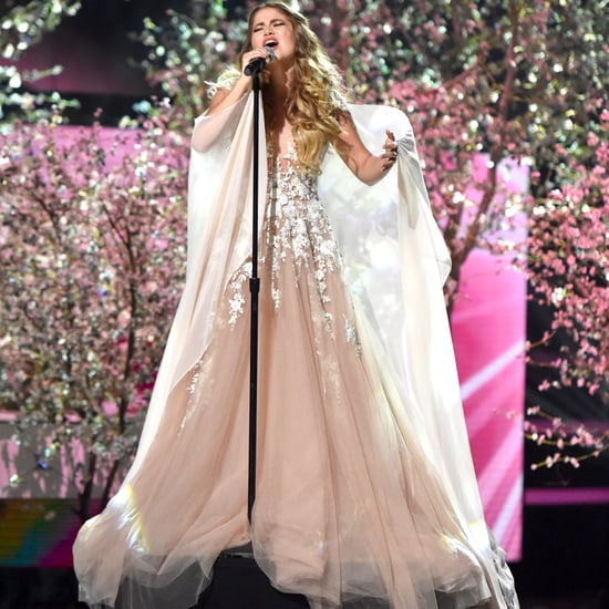 "Sofia Reyes Performing ""Solo Yo"" at Latin AMAs 2016"