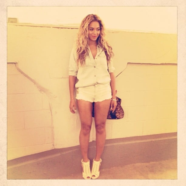 Beyoncé showed off a crisp white outfit while backstage at one of her shows. Source: Instagram user beyonce