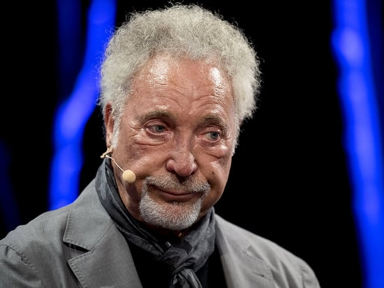 Tom Jones Breaks Down in Tears While Talking About Late Wife: She Was 'the Most Important Thing in My Life'