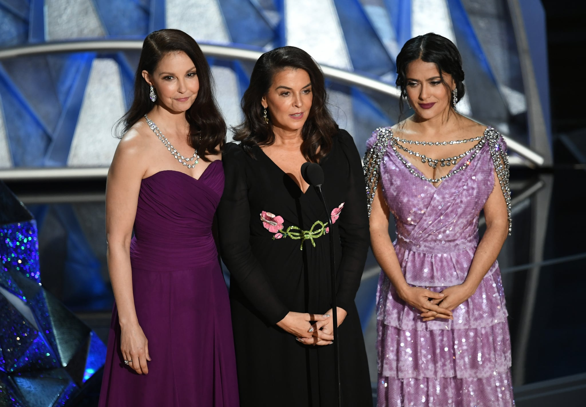 HOLLYWOOD, CA - MARCH 04:  (L-R) Actors Ashley Judd, Annabella Sciorra and Salma Hayek speak onstage during the 90th Annual Academy Awards at the Dolby Theatre at Hollywood & Highland Center on March 4, 2018 in Hollywood, California.  (Photo by Kevin Winter/Getty Images)