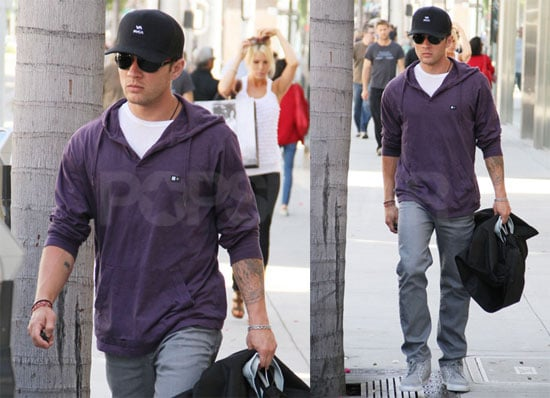 Pictures of Ryan Phillippe Wearing a Hat and Sunglasses in LA