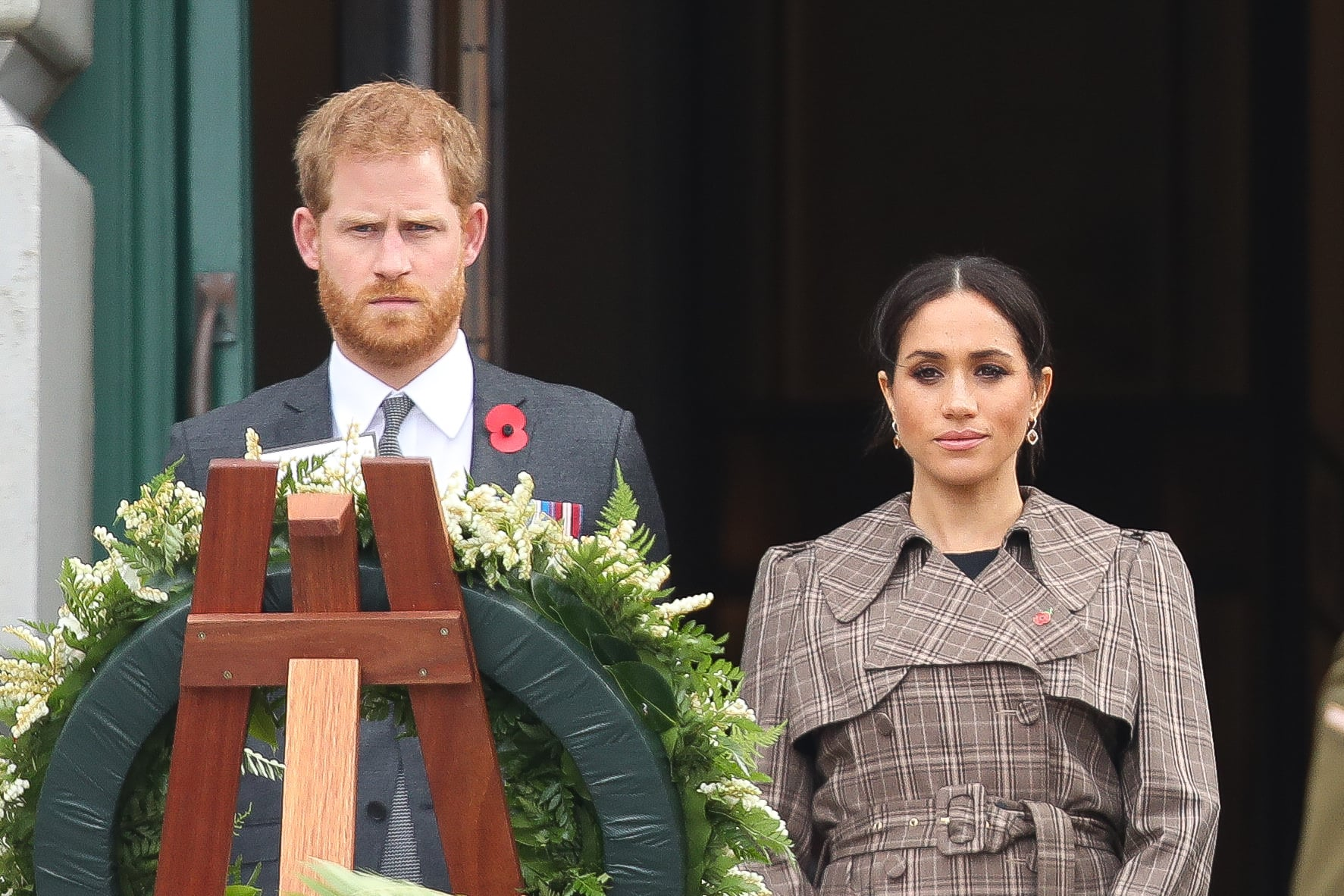 WELLINGTON, NEW ZEALAND - OCTOBER 28:  Prince Harry, Duke of Sussex and Meghan, Duchess of Sussex Laying Wreath at the National War Memorial on October 28, 2018 in Wellington, New Zealand. The Duke and Duchess of Sussex are on their official 16-day Autumn tour visiting cities in Australia, Fiji, Tonga and New Zealand.  (Photo by Chris Jackson/Getty Images)