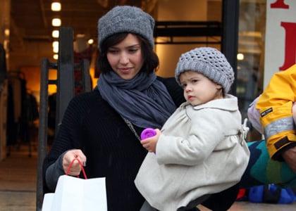 Jessica Alba and Honor rainy shopping spree