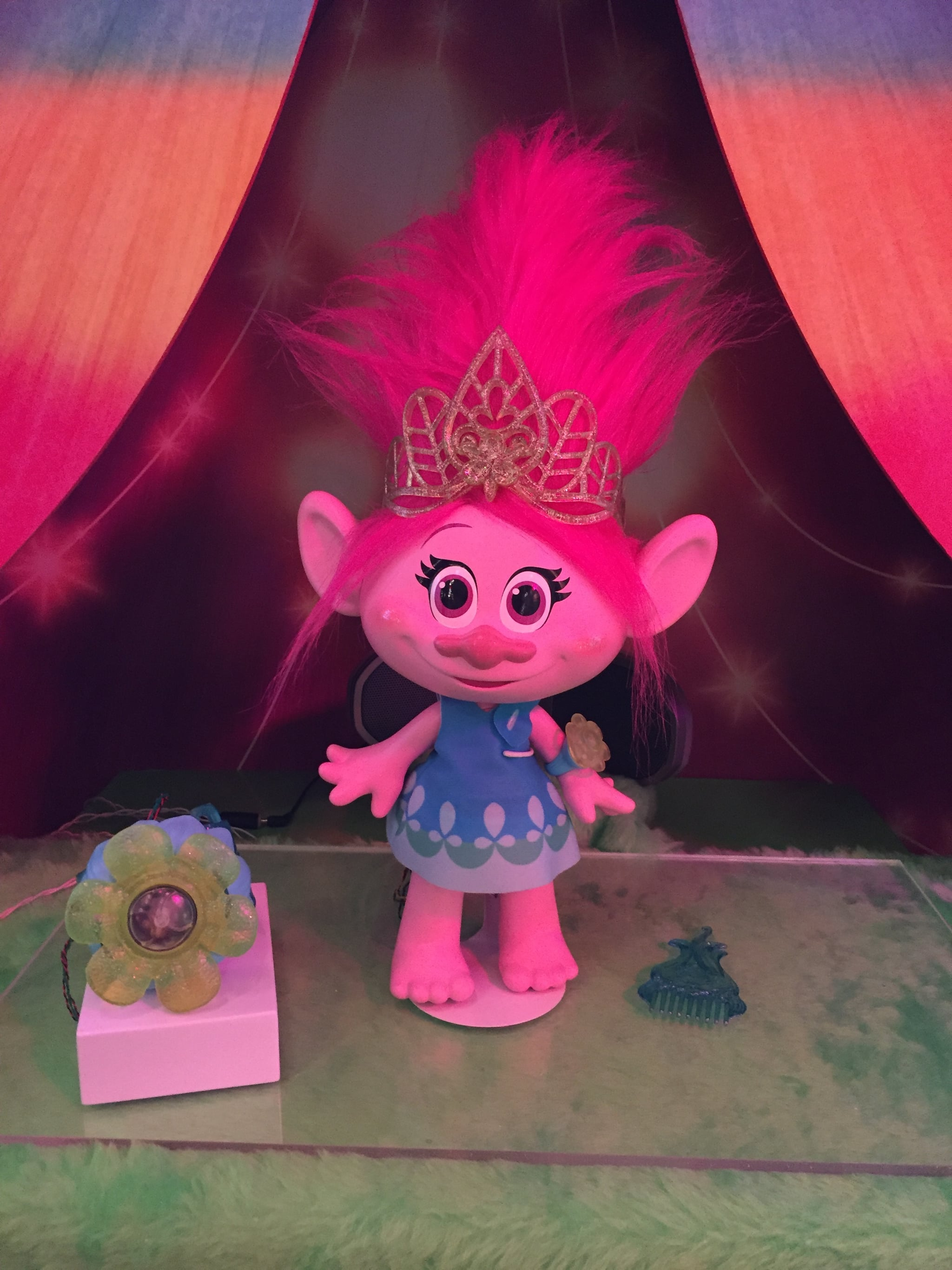 trolls hug time poppy see all 170 brand new toys your. Black Bedroom Furniture Sets. Home Design Ideas