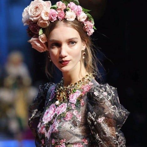 Dolce and Gabbana Alta Moda Runway Pictures 2017