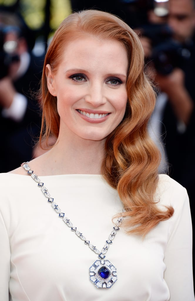 Jessica Chastain stayed true to her signature red carpet look at the Cleopatra premiere — Victoria Lake waves.