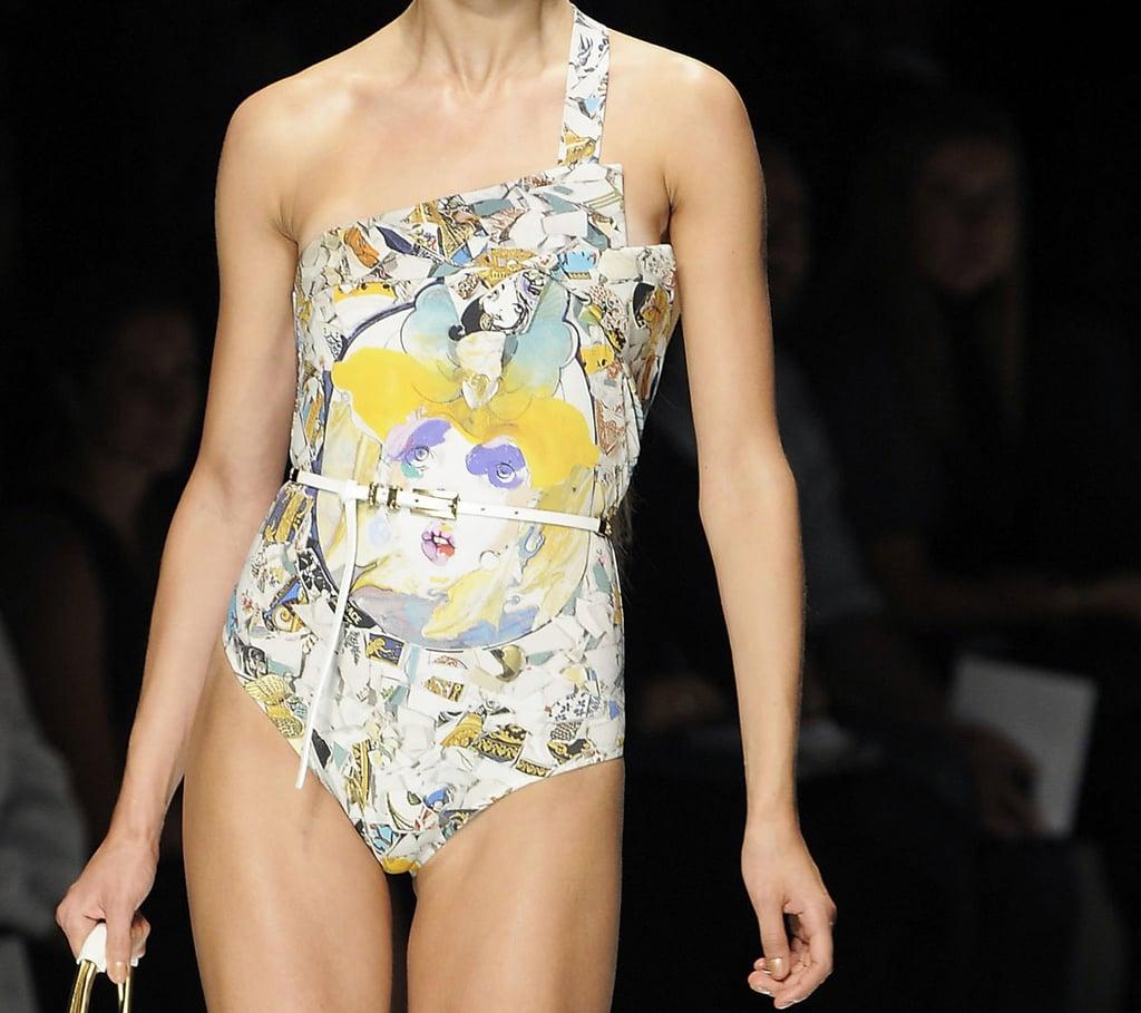 Julie Verhoeven Takes on the Medusa for Versace Spring 2009
