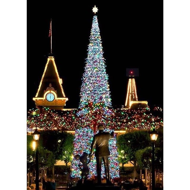 Why Christmas Is The Best Holiday.You Will Experience Real Magic Why Christmas At
