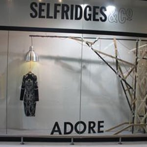 Selfridges Apologies After Controversial Alexander McQueen Window Display at Manchester Store 2010-07-14 02:05:37