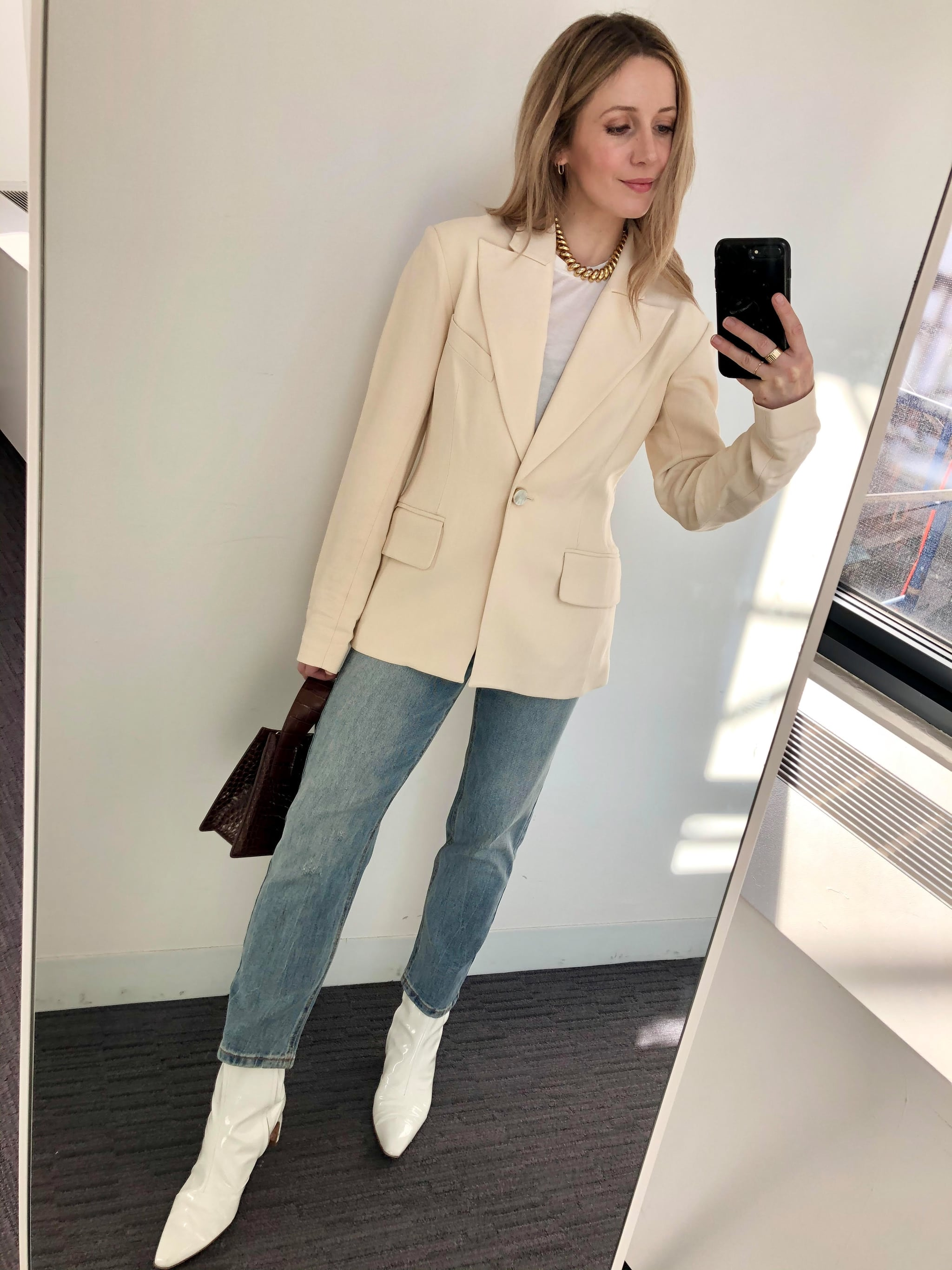 How I Styled My Straight,Leg Jeans With a T,Shirt, a Blazer