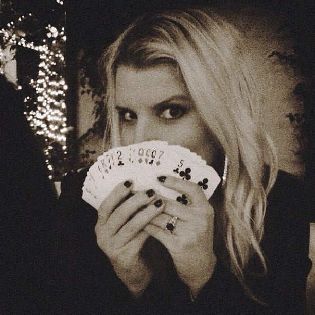 Jessica Simpson played cards with friends. Source: Twitter user JessicaSimpson