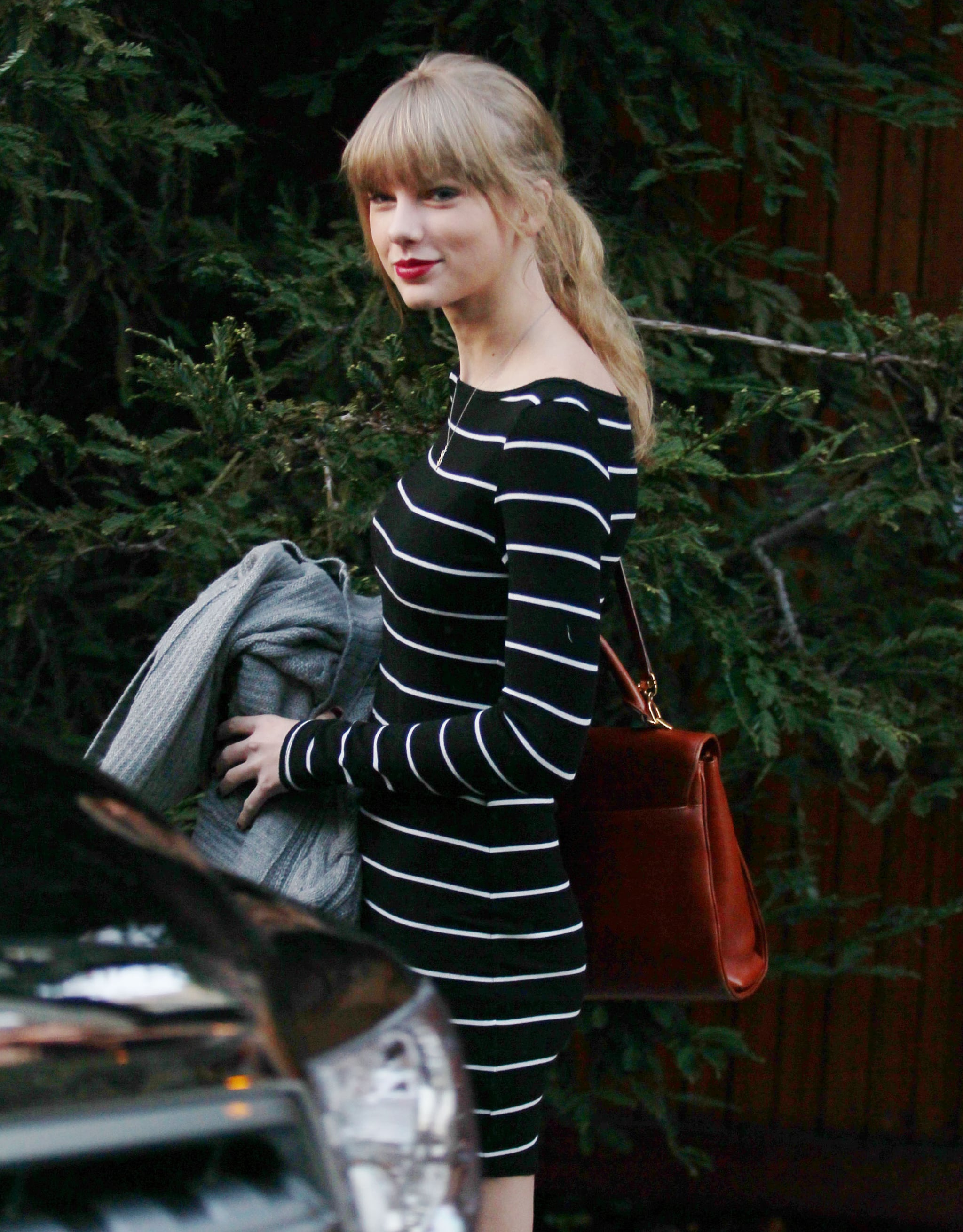 Taylor Swift reportedly returned to LA after breaking up with Harry Styles in the Caribbean.
