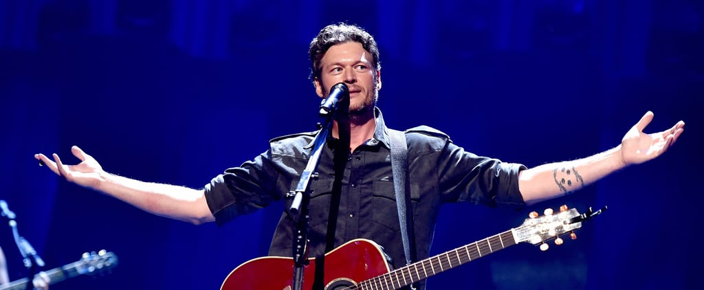 "Blake Shelton Wears ""Sexiest Man Alive"" Jacket on The Voice"