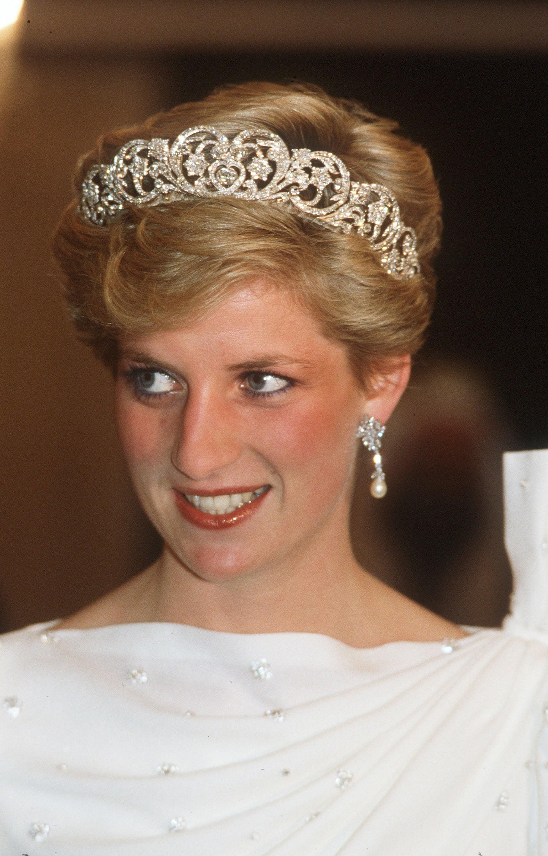 Princess Diana S Niece Wearing The Spencer Family Tiara Popsugar