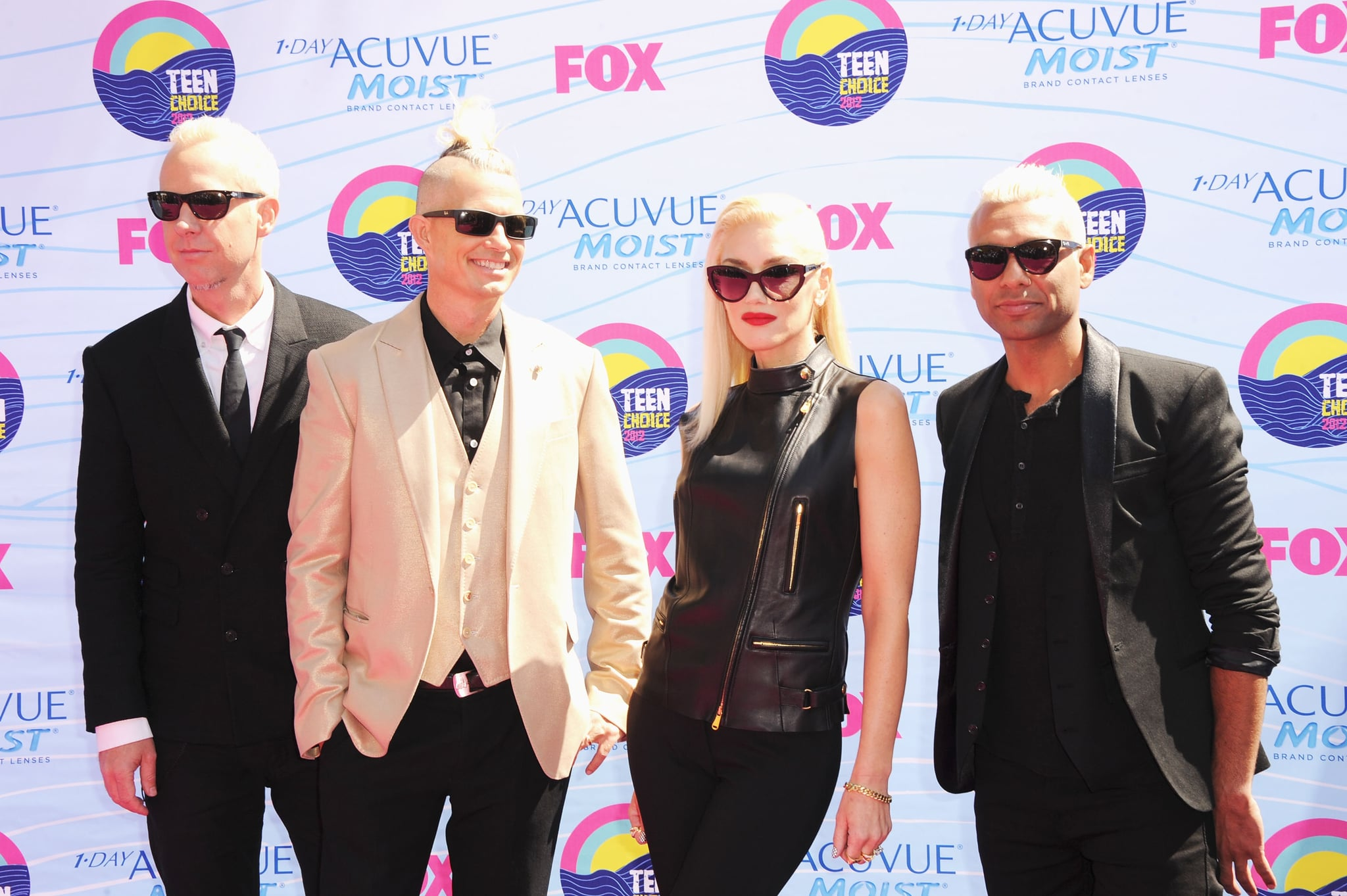 Tom Dumont, Adrian Young, Gwen Stefani, and Tony Kanal hit