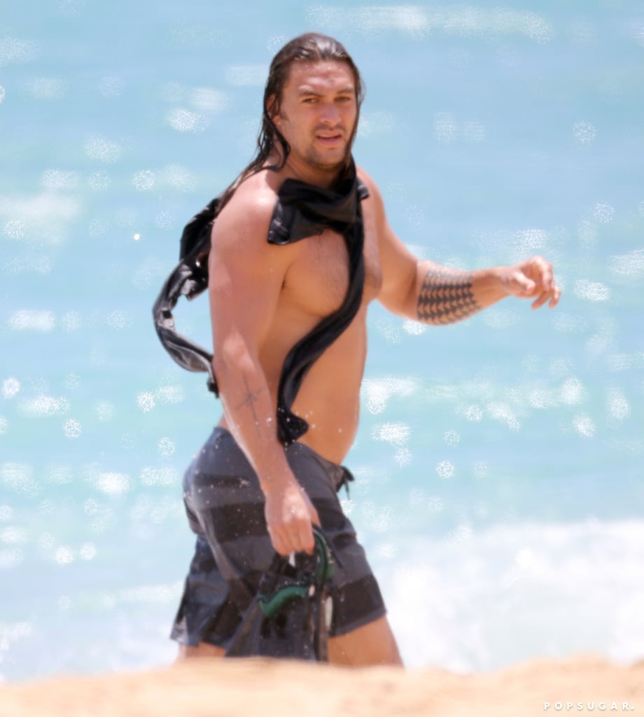 Jason Momoa Hits the Beach With Swim Fins, and the Aquaman Puns Write Themselves