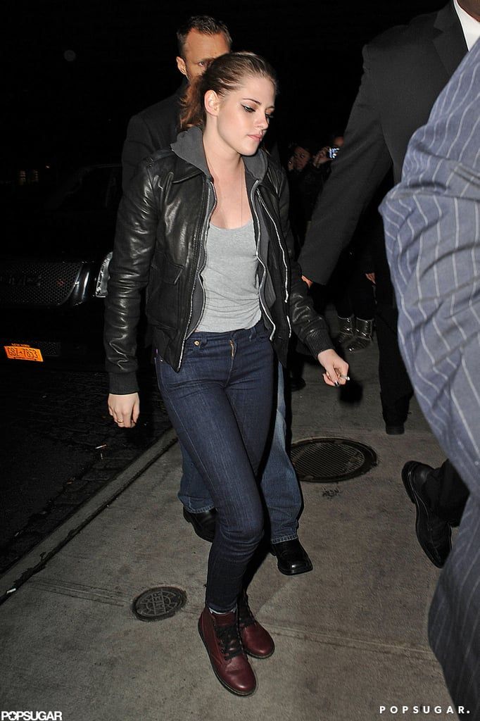 Kristen Stewart took a break to grab dinner.