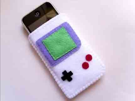 Felt Gameboy iPhone Case Is Retro Chic