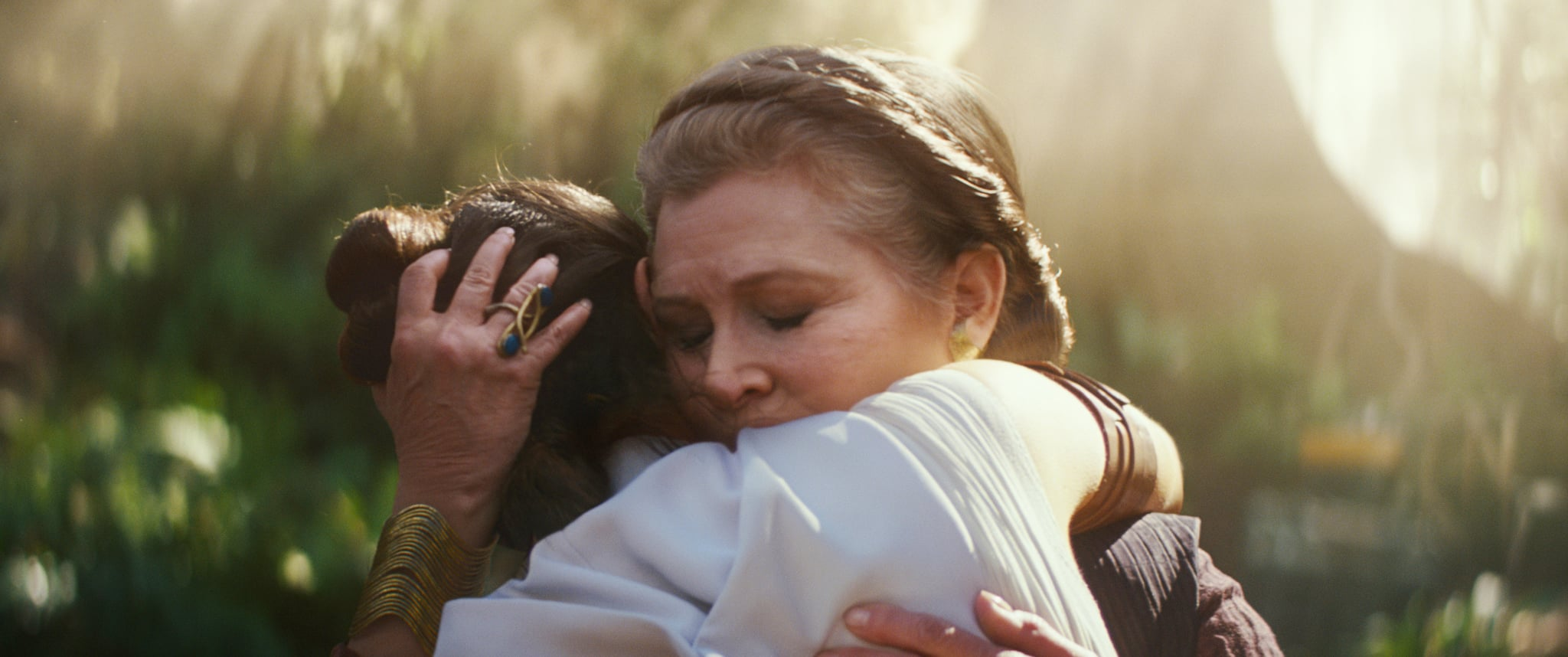 STAR WARS: THE RISE OF SKYWALKER, (aka STAR WARS: EPISODE IX), from left: Daisy Ridley as Rey, Carrie Fisher as General Leia Organa, 2019.  Walt Disney Studios Motion Pictures /  Lucasfilm / courtesy Everett Collection