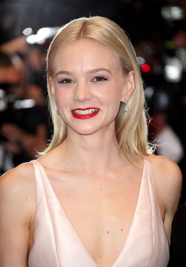 carey mulligan glammed up the red carpet for the premiere