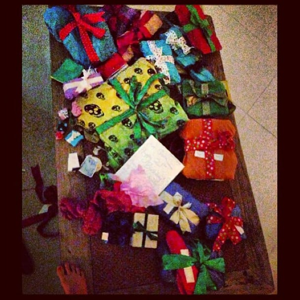 21 Birthday Gift Baskets For Her : See how cara delevingne celebrated her st birthday