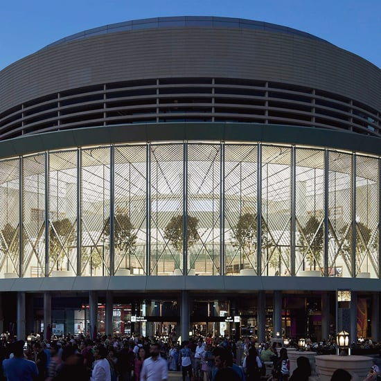 Apple Store Dubai Mall Launches With Solar Wings