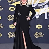 Kelly Clarkson at the 2018 CMT Awards