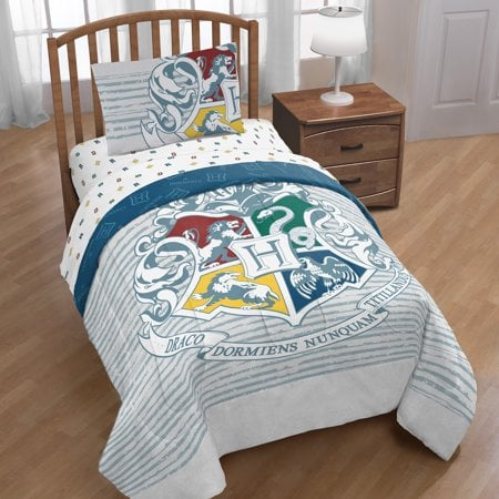 Harry Potter Hogwarts Crest Bed in a Bag Bedding Set With a Reversible Comforter