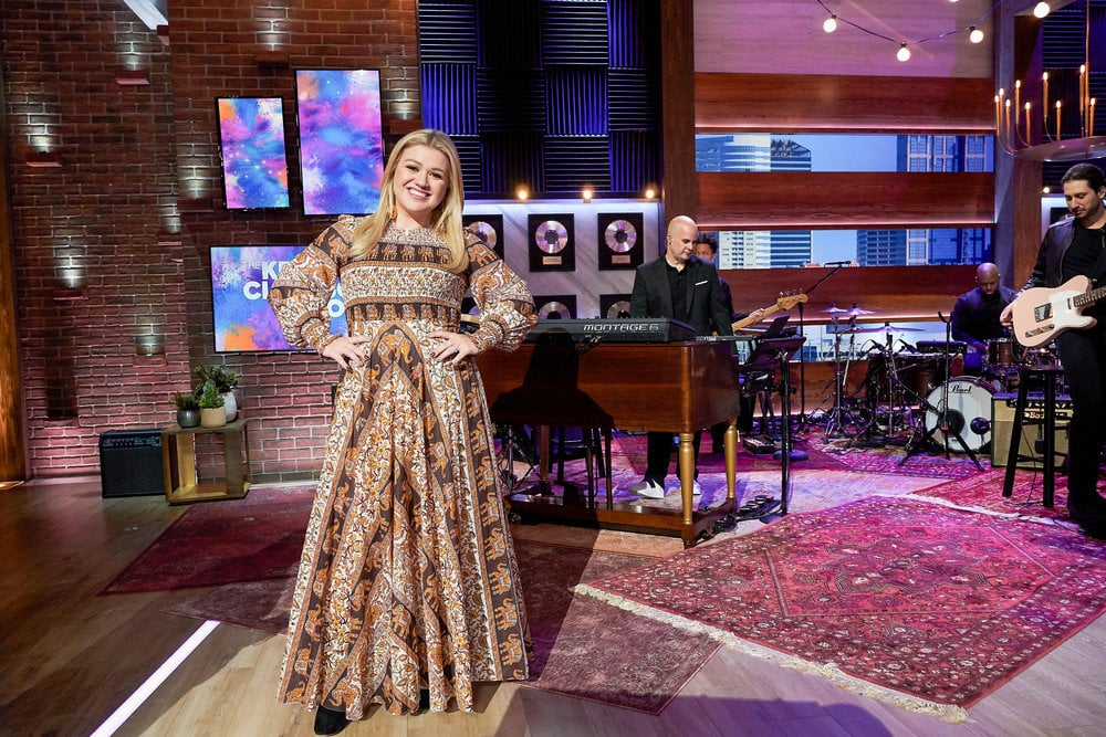 THE KELLY CLARKSON SHOW -- Episode 3003 -- Pictured: Kelly Clarkson -- (Photo by: Adam Christopher/NBCUniversal)