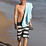Zach Braff was shirtless in Maui.