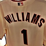 "The Giants tweeted a picture of a custom jersey, writing, ""Tonight we honor our dear friend Robin Williams during pregame #SFGiants."""