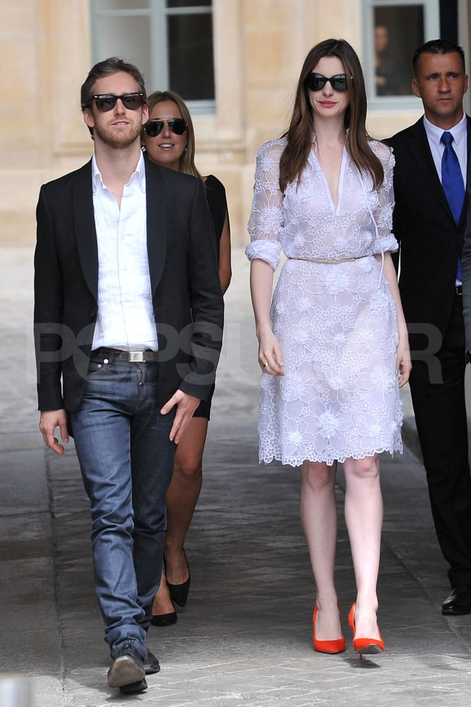 Pictures of Anne Hathaway and Adam Shulman in Paris ...