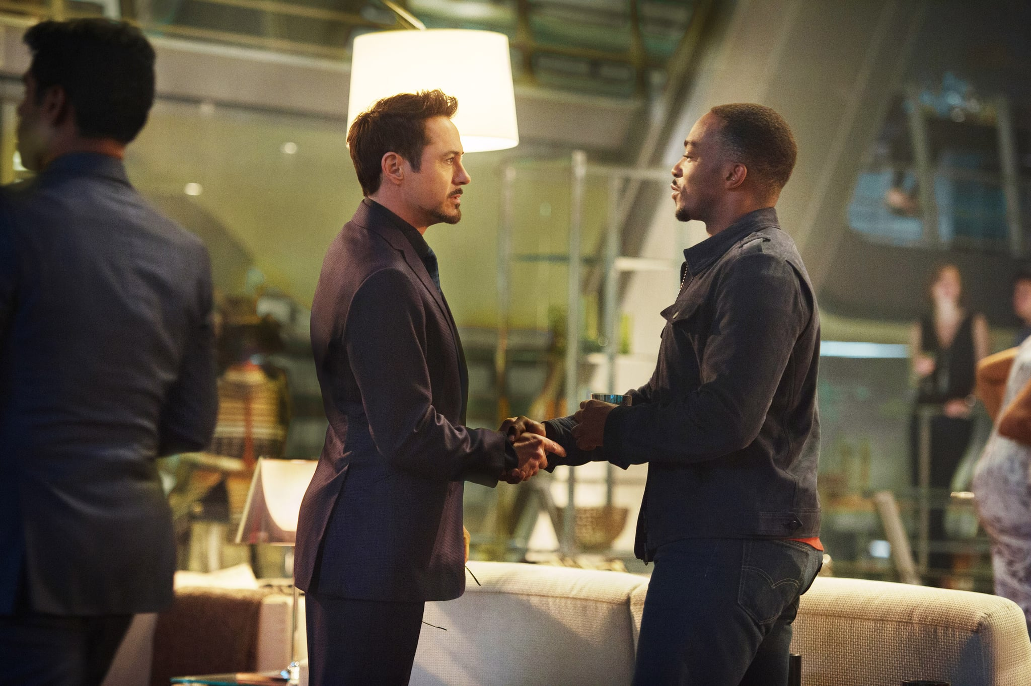 AVENGERS: AGE OF ULTRON, from left: Robert Downey Jr. as Tony Stark/Iron Man, Anthony Mackie as Sam Wilson/Falcon, 2015. ph: Jay Maidment /  Walt Disney Studios Motion Pictures / courtesy Everett Collection