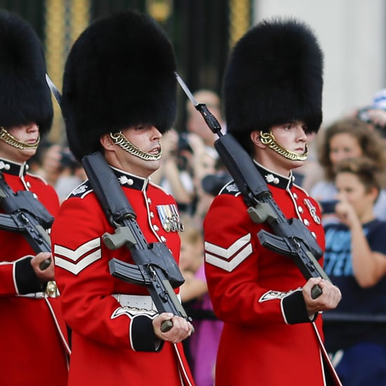 Queen's Guard Performs Game of Thrones Theme