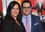 Josh Gad and Ida Darvish In fact Performed a Married Couple Sooner than Coupling Up in Precise Existence 2