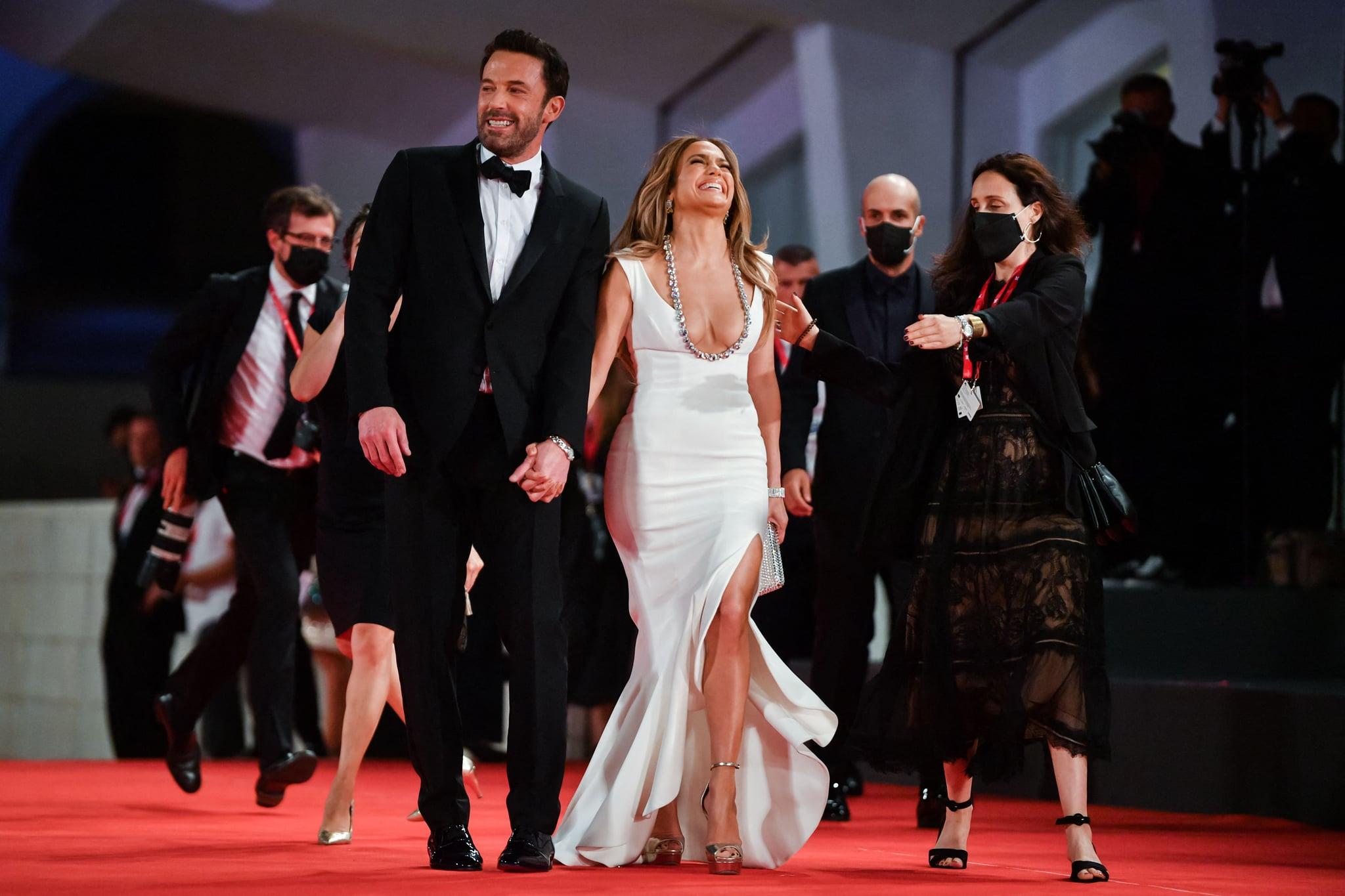 Jennifer Lopez and Ben Affleck Cuddle Up in Venice   Photos   POPSUGAR  Celebrity