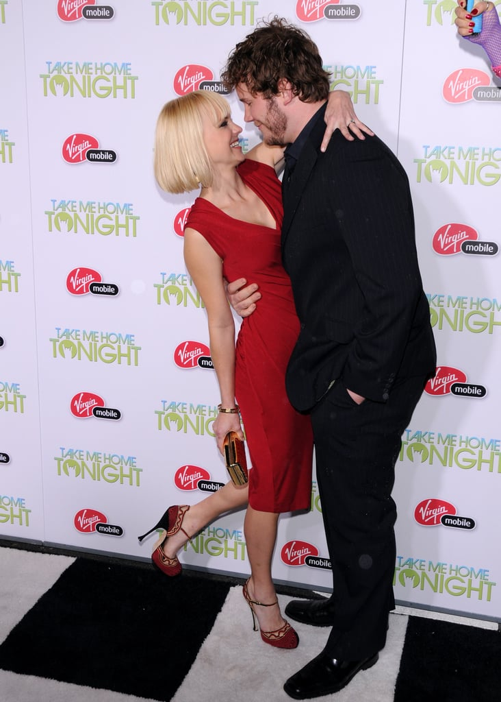 Anna kicked up her heel while gazing at Chris at the 2011 premiere of Take Me Home Tonight in LA.