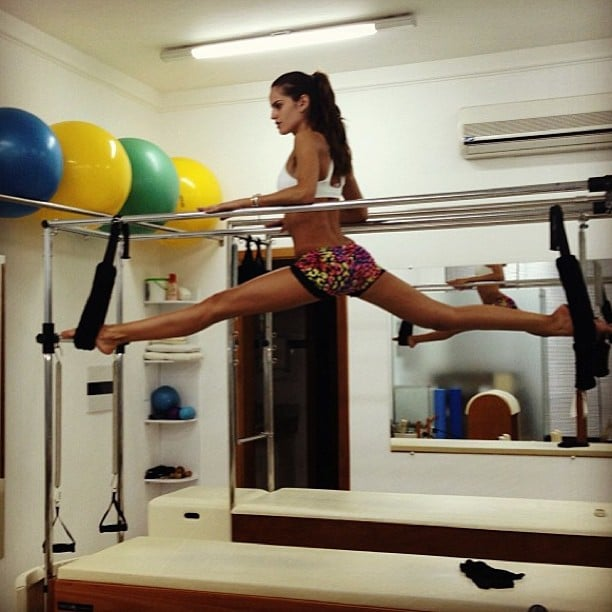 Izabel Goulart shared this photo while getting a workout. Yowza! Source: Instagram user izabel_goulart