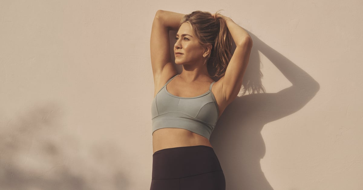 """Jennifer Aniston """"Hates"""" Doing Ab Workouts, but These 5 Core Moves Are the Exception"""