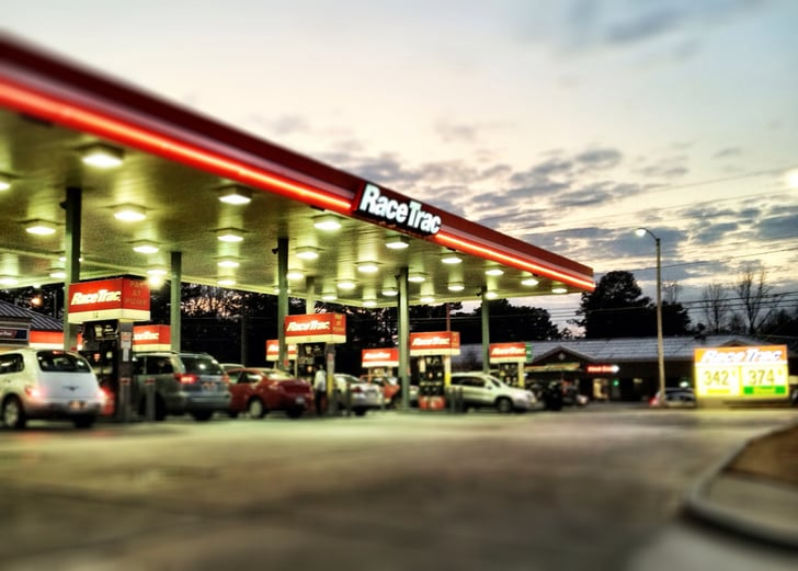 Save Money on Gas With These Apps, Sites, and Tips