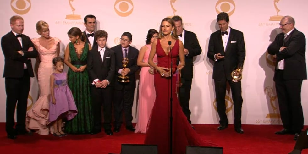 Modern Family Cast Backstage at the Emmy Awards 2013 | Video