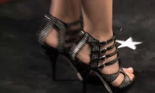 FabTV Video of Shoes at 2010 People's Choice Awards Featuring Kate Walsh, Diane Kruger, Carrie Underwood, and Mary J. Blige