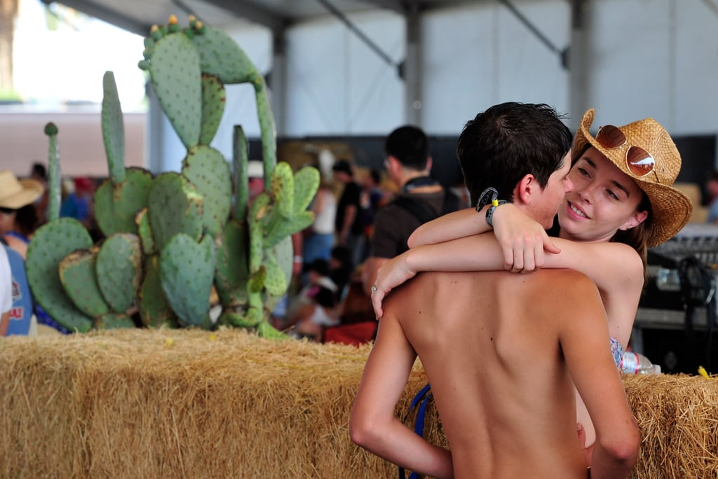 A pair of lovebirds got close at Stagecoach in Indio, CA.