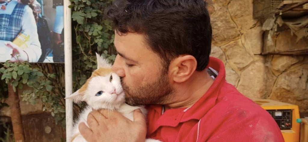 Aleppo Cat Man