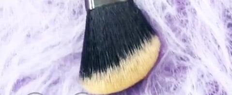"These Color-Changing Unicorn Brushes For Halloween Are ""Graveyard Spooktastic"""