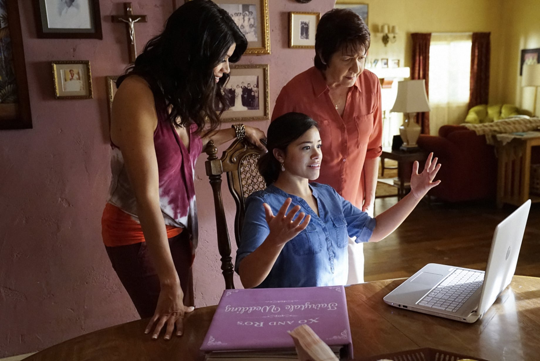 JANE THE VIRGIN, l-r: Andrea Navedo, Gina Rodriguez, Ivonne Coll in 'Chapter Sixty-Four' (Season 3, Episode 20, aired May 22, 2017). ph: Greg Gayne/The CW Network/courtesy Everett Collection