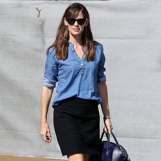Jennifer Garner Denim Shirt Outfit Idea | Video
