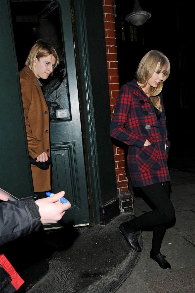 Taylor Swift and Tom Odell left a pub together.